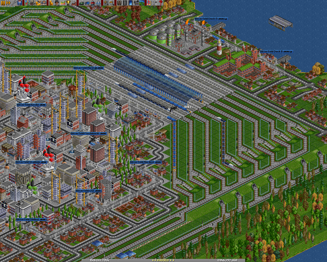 A large industrial 8 platform roll-on/roll-off station, that is connected to a 4-track network by means of dual entrances and dual exits. This keeps things flowing smoothly.